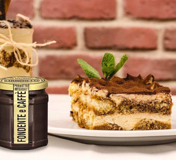 Tiramisu Rinforzato con Crema Fondente al Caffè